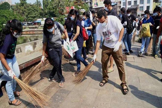UN expert finds holes in PM Narendra Modi's 'Swachh Bharat Mission', gets panned