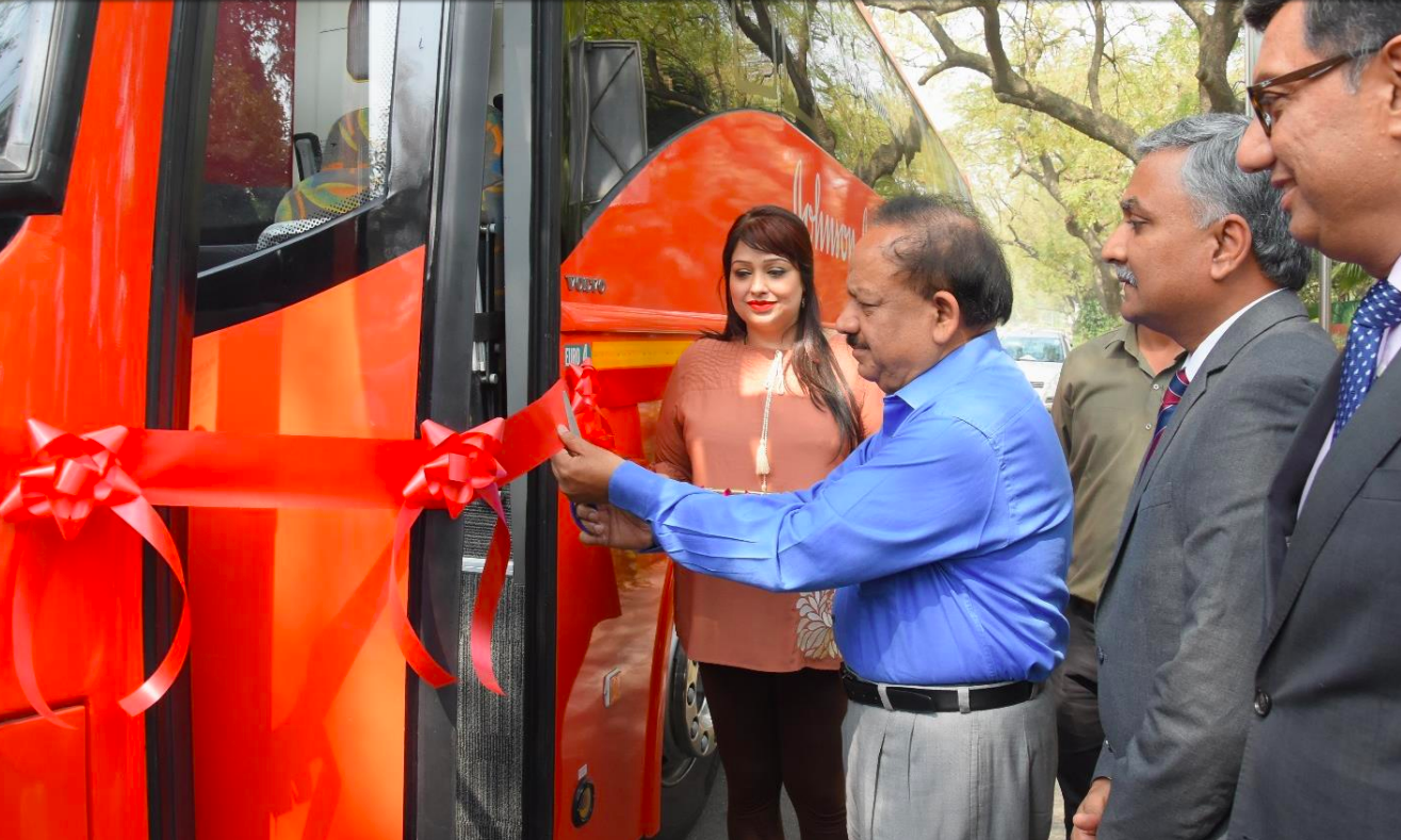 First-of-its-kind Johnson & Johnson Institute on Wheels Will Address India's Needs in Surgical Education at the Doorstep